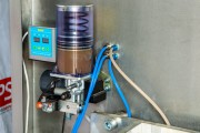 Automatic filling machine for liquid and viscous products in CHAB-type packages